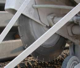 Taierea sliturilor in stratul de beton