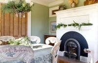 O căsă în stil victorian, pregătită de Crăciun