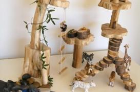 """Pentru parintii amatori de bricolaj si decoratiuni simple: """"jungla"""" din lemn"""
