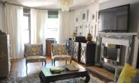 Apartamentul gradina din Brooklyn Sofia aspira sa devina designer de interior Rafturile din casa le are