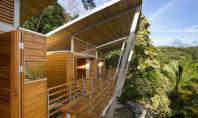 Casa Flotanta din Costa Rica pluteste deasupra coastei Pacificului Construita in Puntarenas casa Flotanta proiectata de