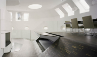 Un loft in Berlin spatios datorita mobilierului incastrat Realizat de Georg Bechter Architecture acest loft contemporan