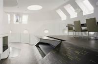 Un loft in Berlin spatios datorita mobilierului incastrat