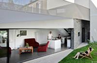 Casa renovata si transformata intr-un paradis verde