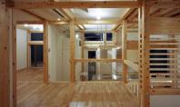 Locuinta pe structura din lemn Aceasta constructie realizata de arhitectul Masato Sekiya in orasul Kasiwara Japonia