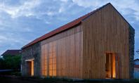 Volumul simplu al unui hambar poate fi o locuinta primitoare Arhitectul portughez Joao Mendes Ribeiro a