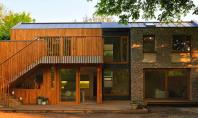 Casa Flint eficienta din grija pentru familie si natura Amplasata la periferia Londrei casa Flint este