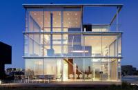 O casa inchisa complet in sticla poate fi eficienta