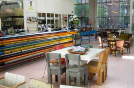 Designul unui restaurant din Eindhoven, amestec de obiecte reciclate