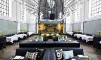 Veche biserica transformata in restaurant Echipa de la Piet Boom Studio a transformat si decorat interiorul