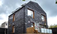 Prima locuinta din Marea Britanie construita din deseuri Va prezentam Casa Deseurilor (Waste House) prima cladire