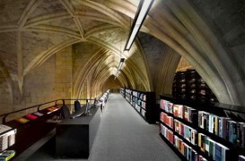 O veche biserica a fost transformata intr-o librarie moderna