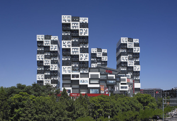 SAKO Architects sfideaza gandirea traditionalista pentru un plus de lumina naturala