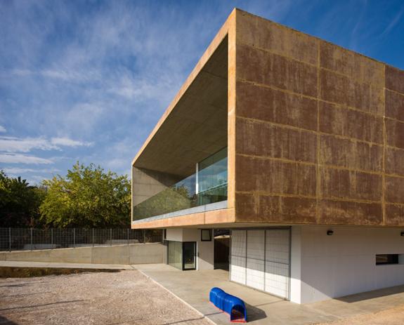 Les Carolines Playground and Dinning Room / Pablo Ribera Pons & Josean Vilar Pons