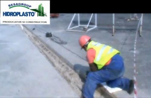 Proceduri de instalare dispozitiv elastomeric pentru acoperire rosturi de dilatatie la poduri tip Gumba BJ50 HIDROPLASTO