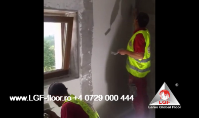 Larex Global Floor - Finisaj pentru suprafete verticale la interior cu Microciment perete baie