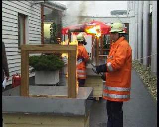Gradini de iarna - Test de rezistenta la foc a profilelor HOLZ MEISTER
